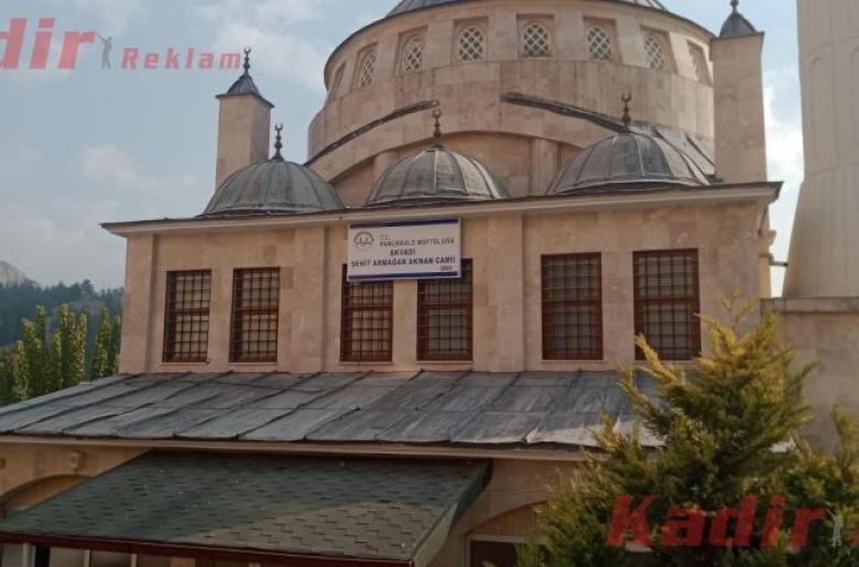 Akvadi Şehit Armağan Akman Camii Tabela