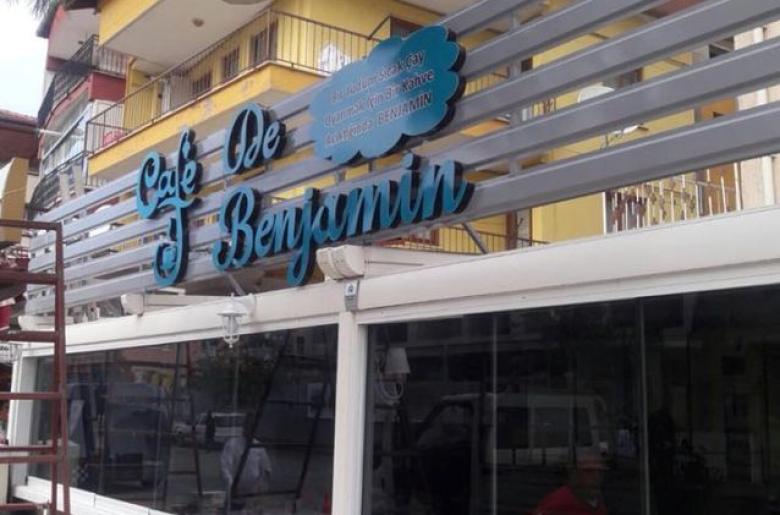 Cafe De Benjamin Tabela